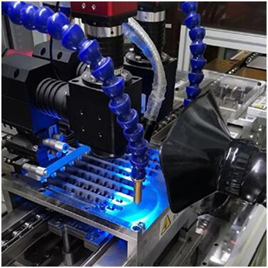 Pure-Air laser Fume Extractor provides a clean workshop for laser production enterprises!
